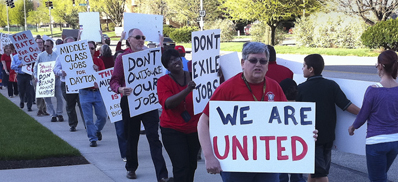 Guild members rally March 28, 2012